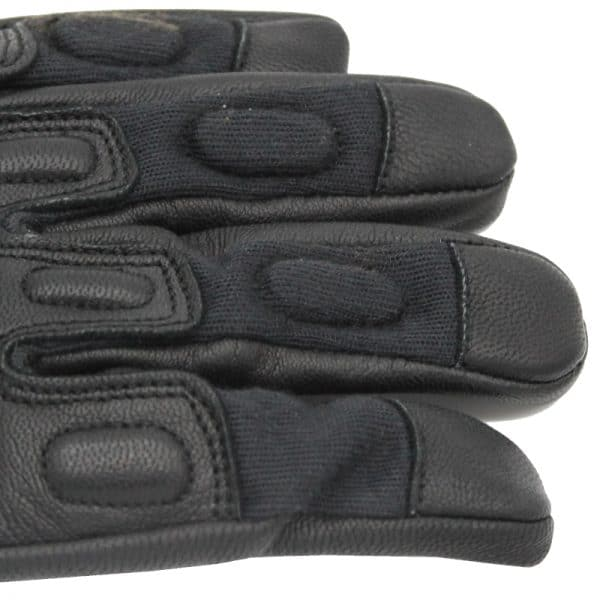 Bladerunner_Coyote_Slash_Resistant_Glove_Fingers_Zoom_Photo